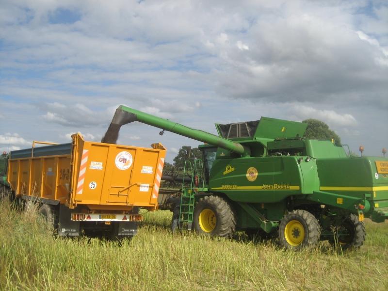 GUILLON BARBOT Travaux Agricoles Vitre En Ille Et Vilaine Battages 2008 87 E1424337560203 207