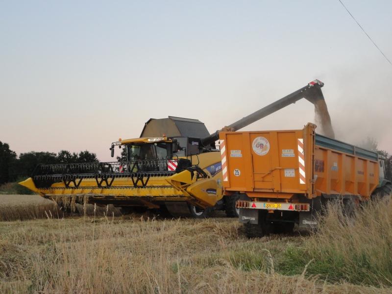 GUILLON BARBOT Travaux Agricoles Vitre En Ille Et Vilaine Battages 2011 19 E1424337567321 208