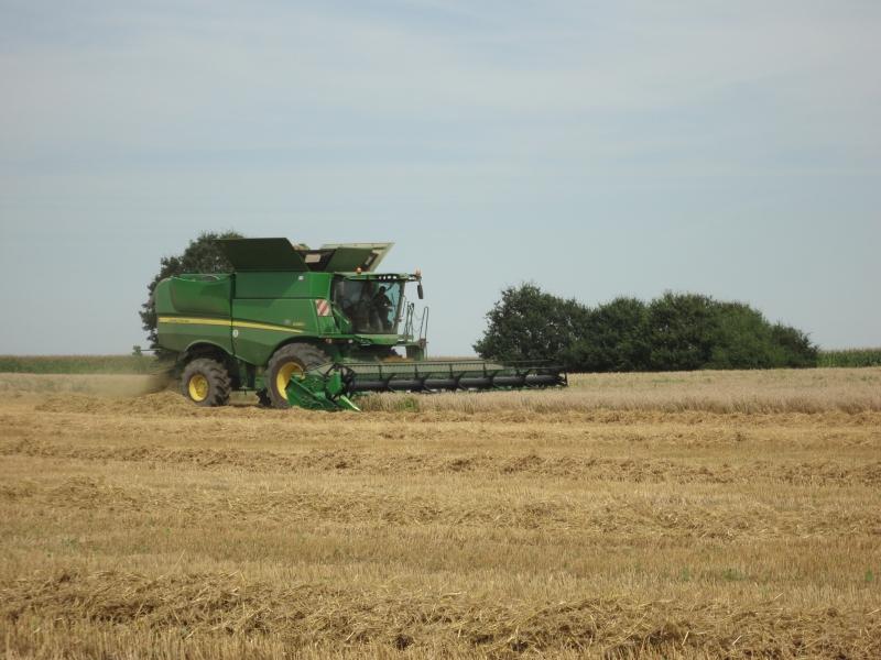 GUILLON BARBOT Travaux Agricoles Vitre En Ille Et Vilaine Battages 2011 31 E1424337577606 210