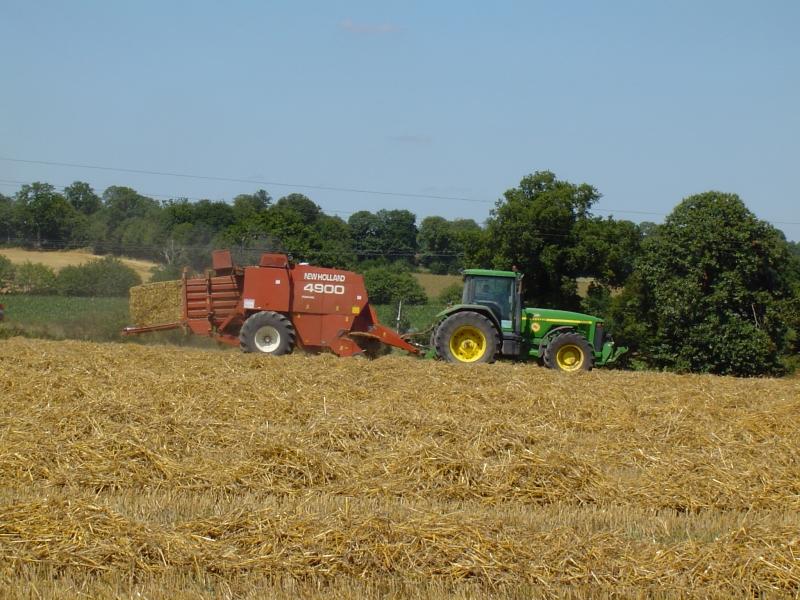 GUILLON BARBOT Travaux Agricoles Vitre En Ille Et Vilaine Pressage 2 E1424337737917 233