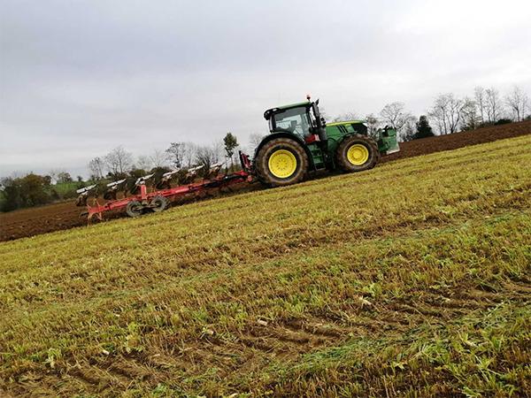 GUILLON BARBOT Travaux Agricoles Vitre En Ille Et Vilaine Metier52 358